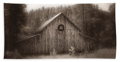 Hand Towel featuring the photograph First Snow In November by Amanda Smith