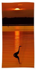 Bayside Ripples - A Heron Takes An Evening Stroll As The Sun Sets Behind The Clouds On The Bay Bath Towel