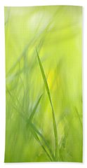 Blades Of Grass - Green Spring Meadow - Abstract Soft Blurred Hand Towel