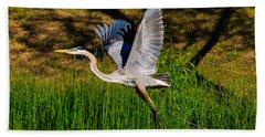 Blue Heron In Flight Bath Towel