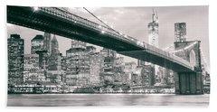 Brooklyn Bridge And New York City Skyline At Night Hand Towel