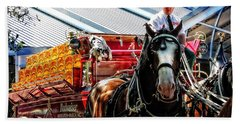 Bath Towel featuring the photograph Budweiser Beer Wagon by Mike Martin