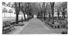 Charleston Waterfront Park Walkway - Black And White Hand Towel