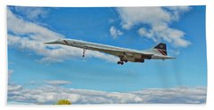 Hand Towel featuring the digital art Concorde On Finals by Paul Gulliver