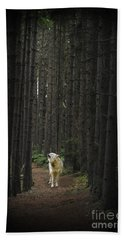 Coyote Howling In Woods Hand Towel