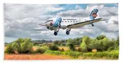 Hand Towel featuring the digital art Dakota - Cleared To Land by Paul Gulliver