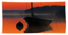 Hand Towel featuring the photograph Dawn's Light by Dianne Cowen