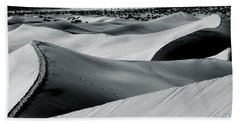 Desert Night Death Valley By Diana Sainz Bath Towel