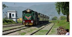 Hand Towel featuring the photograph Diesel Electric Locomotive Speeds Past Student by Imran Ahmed