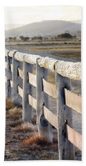 Hand Towel featuring the photograph Don't Fence Me In by Holly Kempe