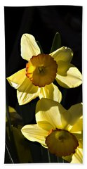 Hand Towel featuring the photograph Dos Daffs by Joe Schofield
