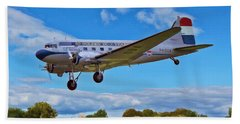 Bath Towel featuring the digital art Douglas Dc3 by Paul Gulliver