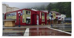 Bath Towel featuring the photograph Downtown Juneau On A Rainy Day by Cathy Mahnke