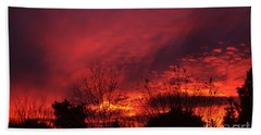 Bath Towel featuring the photograph Dundee Sunset by Jeremy Hayden