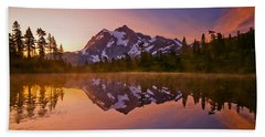 Early Morning At Picture Lake Bath Towel