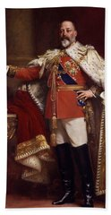 Edward Vii In Coronation Robes Bath Towel