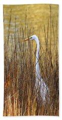 Egret In The Grass Bath Towel