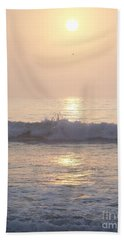 Hampton Beach Wave Ends With A Splash Bath Towel by Eunice Miller