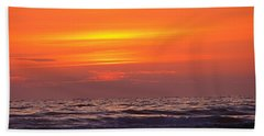 Bath Towel featuring the photograph Evening Flight by Nick Kloepping