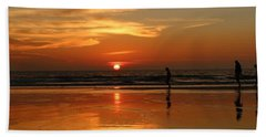 Family Reflections At Sunset - 4 Hand Towel