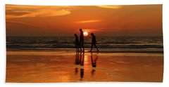 Family Reflections At Sunset - 1 Bath Towel