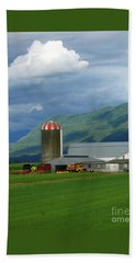 Bath Towel featuring the photograph Farm In The Valley by Ann Horn