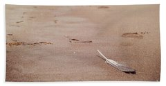 Feather On Sand Bath Towel