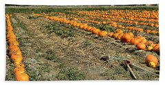 Hand Towel featuring the photograph Fencing The Pumpkin Patch by Michael Gordon