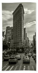 Flatiron Building - Black And White Hand Towel