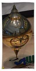 Hand Towel featuring the photograph Foucalt's Pendulum by Robert Meanor