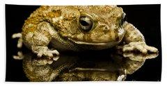 Bath Towel featuring the photograph Frog by Gunnar Orn Arnason