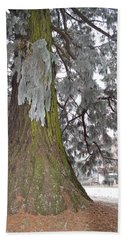 Bath Towel featuring the photograph Frost On The Leaves by Felicia Tica