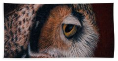 Bath Towel featuring the painting Great Horned Owl Portrait by Pat Erickson