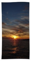 Bath Towel featuring the photograph Gull Rise by Bonfire Photography