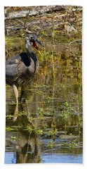 Bath Towel featuring the photograph Heimlich Please by Gary Holmes