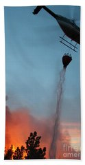 Helicopter Drops Water On White Draw Fire Bath Towel by Bill Gabbert