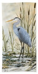 Heron And Cattails Bath Towel by James Williamson