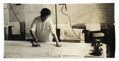 Hine Ironing, 1917 Hand Towel