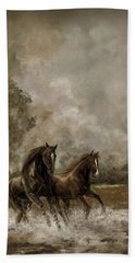Horse Painting Escaping The Storm Bath Towel