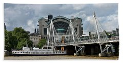 Bath Towel featuring the photograph Hungerford Bridge And Charing Cross by Jeremy Hayden