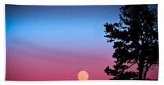 Bath Towel featuring the photograph Hunter's Moonrise In Eastern Arizona by John Haldane