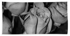 Black And White Roses Bath Towel