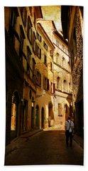 Il Turista Bath Towel by Micki Findlay