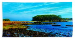 Hand Towel featuring the photograph Kennepunkport Vaughn Island  by Tom Jelen