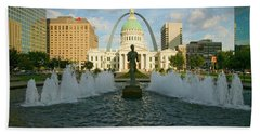Kiener Plaza - The Runner In Water Hand Towel