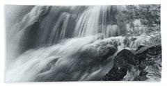 Bath Towel featuring the photograph King Creek Falls by Jonathan Nguyen