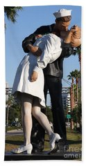 Kissing Sailor - The Kiss - Sarasota Hand Towel by Christiane Schulze Art And Photography