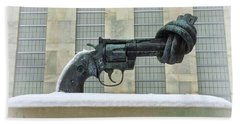 Knotted Gun Sculpture At The United Nations Bath Towel