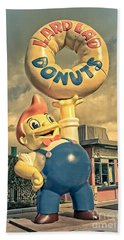 Bath Towel featuring the photograph Lard Lad Donuts by Edward Fielding