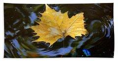 Leaf In Pond Bath Towel